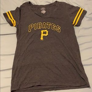 Women's Large Pittsburgh Pirates Shirt